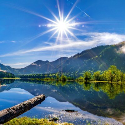 natbg-com-lakes-sun-mountain-lake-peaceful-clear-calm-blue-lakeshore-sky-water-summer-nature-bright-reflection-beautiful-river-mirrored-clouds-riverbank-shore-wallpaper-hd-2048x1152